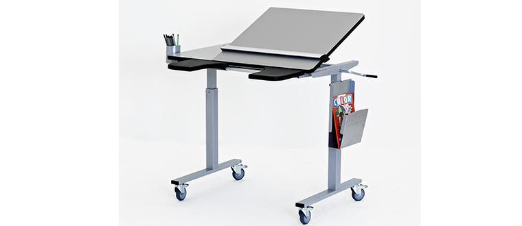 ErgoTable with equipment